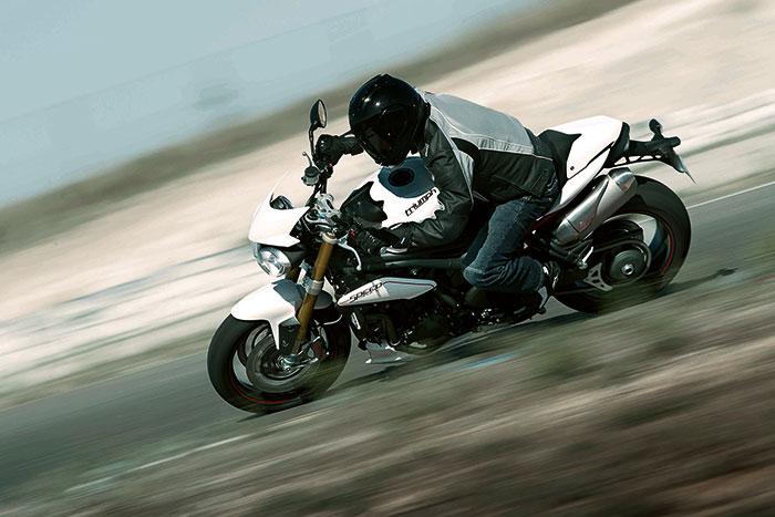 2013 triumph speed triple review