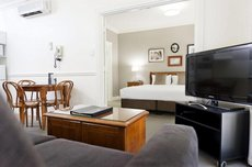 majestic old lion apartments review